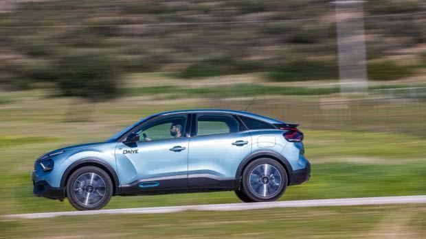 Είναι το ηλεκτρικό Citroën ë-C4 C-Cross το μέλλον των οικογενειακών αυτοκινήτων; [vid]