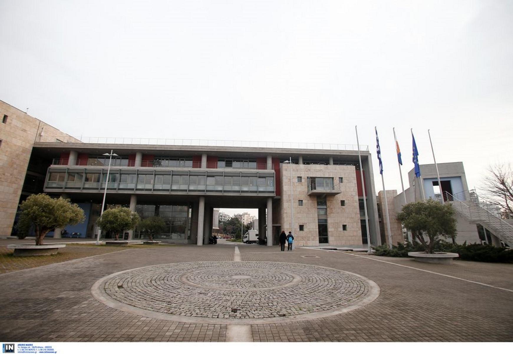 Θεσσαλονίκη: Δύο νηπιαγωγεία «πάνε» Δημαρχείο – Χαρούμενες παιδικές φωνές