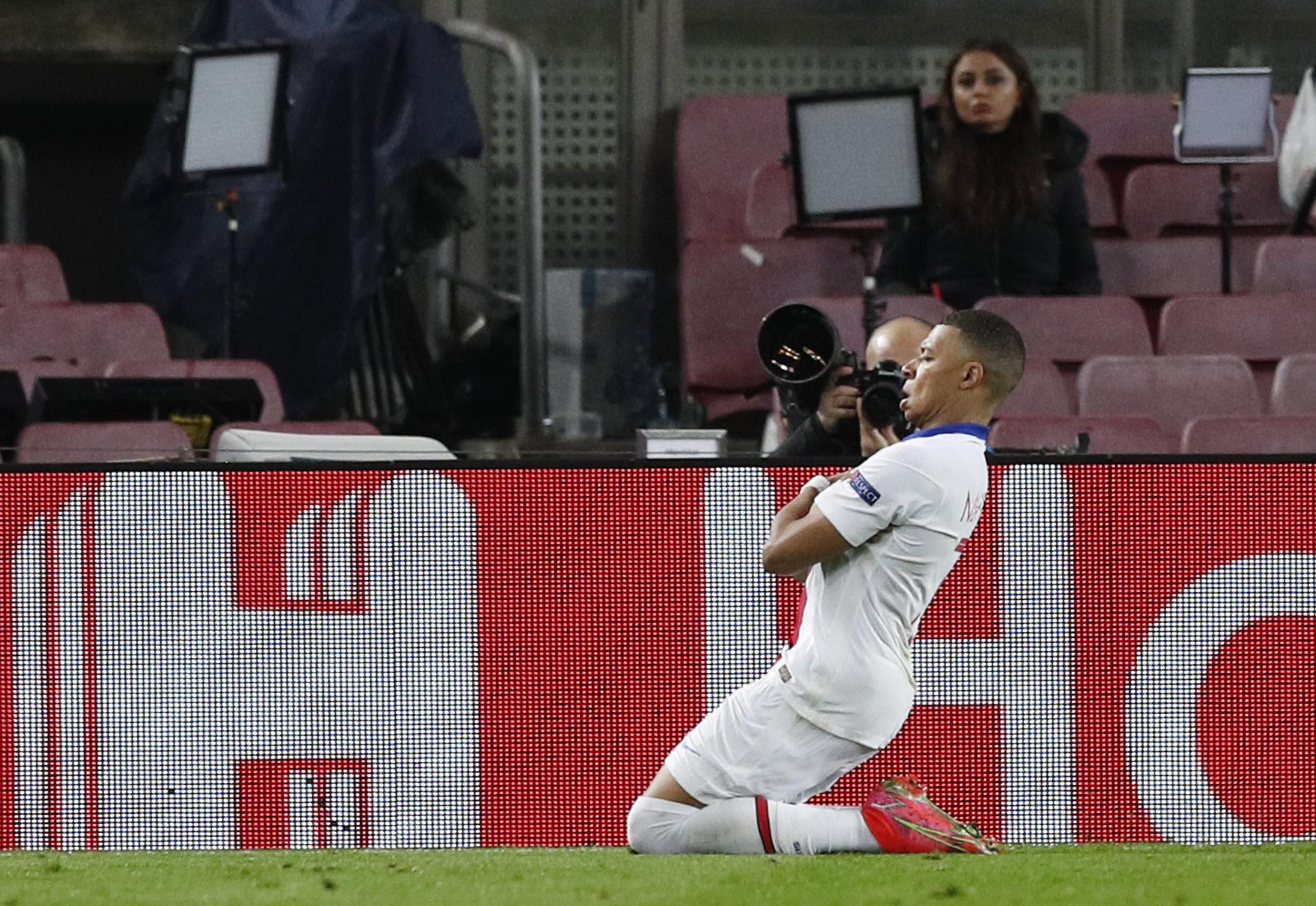 Champions League ΤΕΛΙΚΑ: Μπαρτσελόνα – Παρί Σεν Ζερμέν 1-4, Λειψία – Λίβερπουλ 0-2