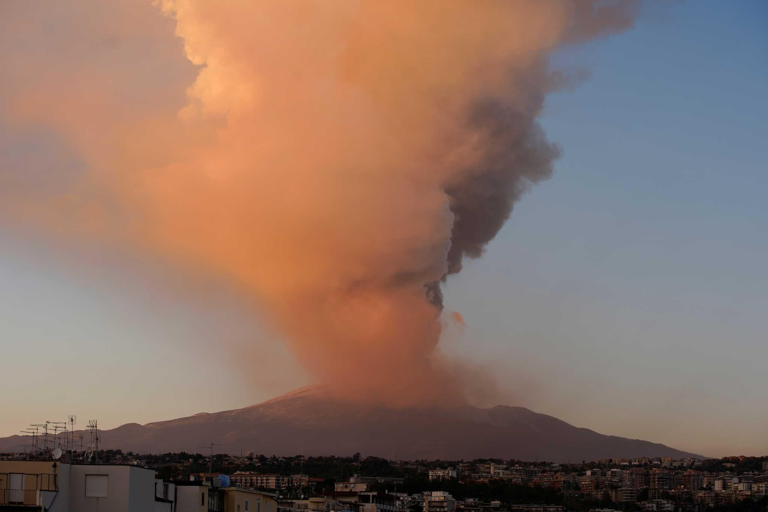 Έκρηξη κρατήρα του ηφαιστείου «Αίτνα» στην Ιταλία