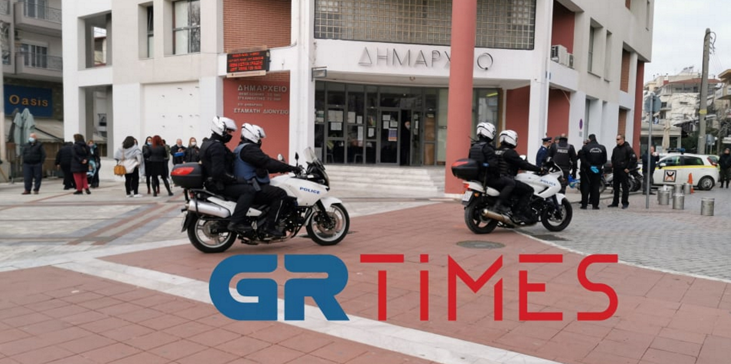 Lockdown – Εύοσμος: Μπλόκα της αστυνομίας, αντιδράσεις και αλαλούμ (pics, video)