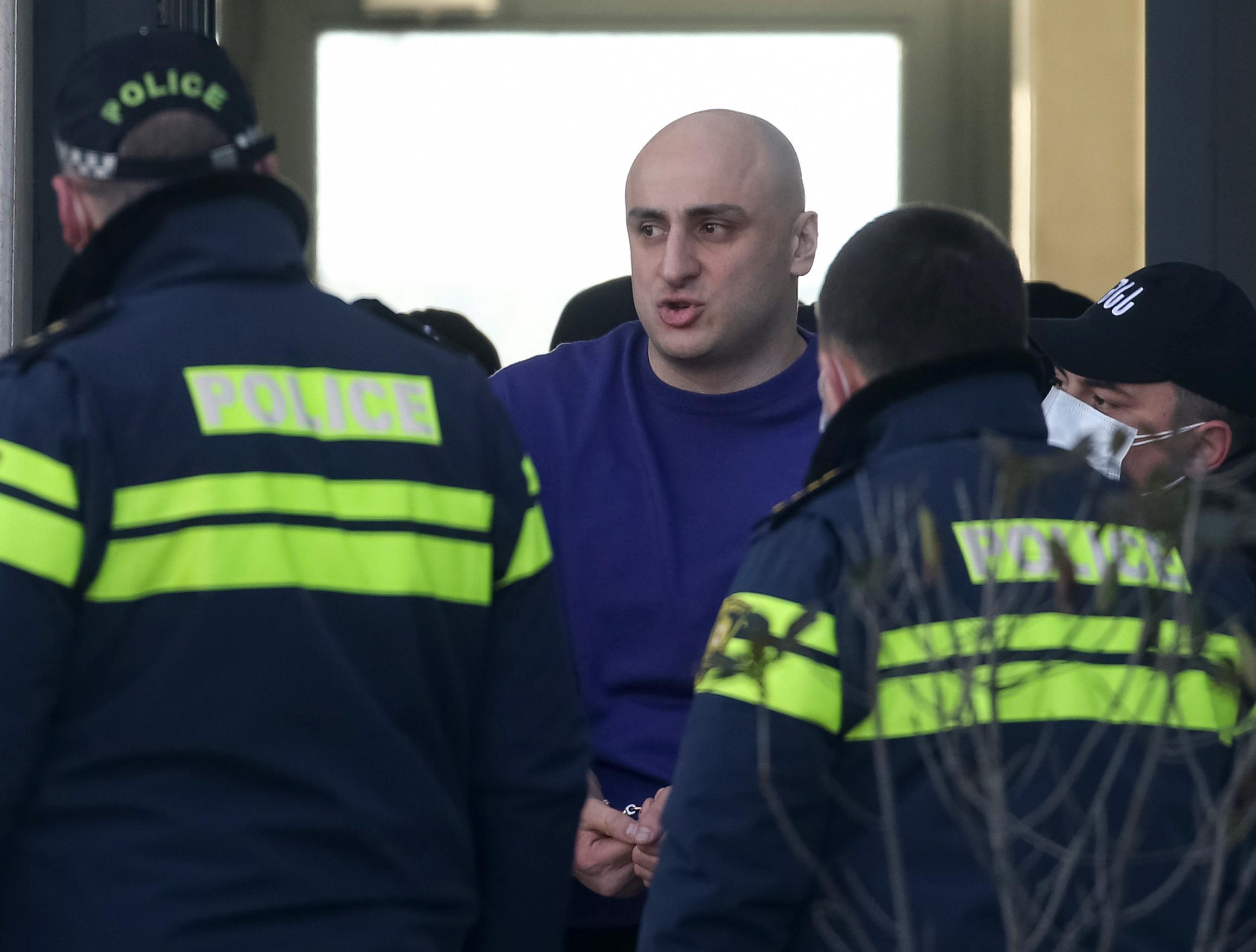 Γεωργία: Συνελήφθη ο αρχηγός της αντιπολίτευσης – «Ντου» της αστυνομίας στα γραφεία του κόμματος (pics, vid)