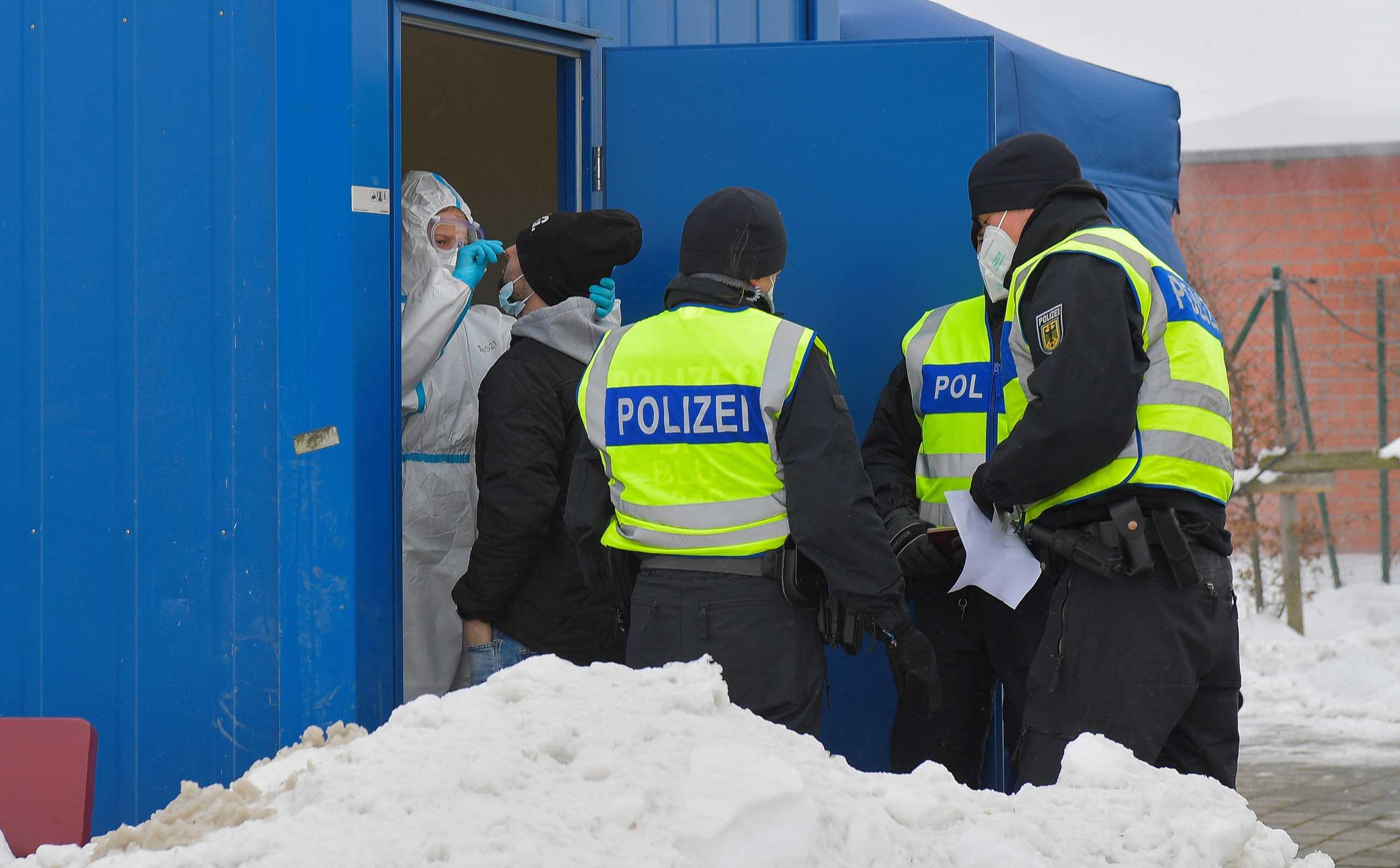 Παρατείνεται για 14 μέρες η απαγόρευση εισόδου στην Γερμανία από περιοχές μετάλλαξης του κορονοϊού