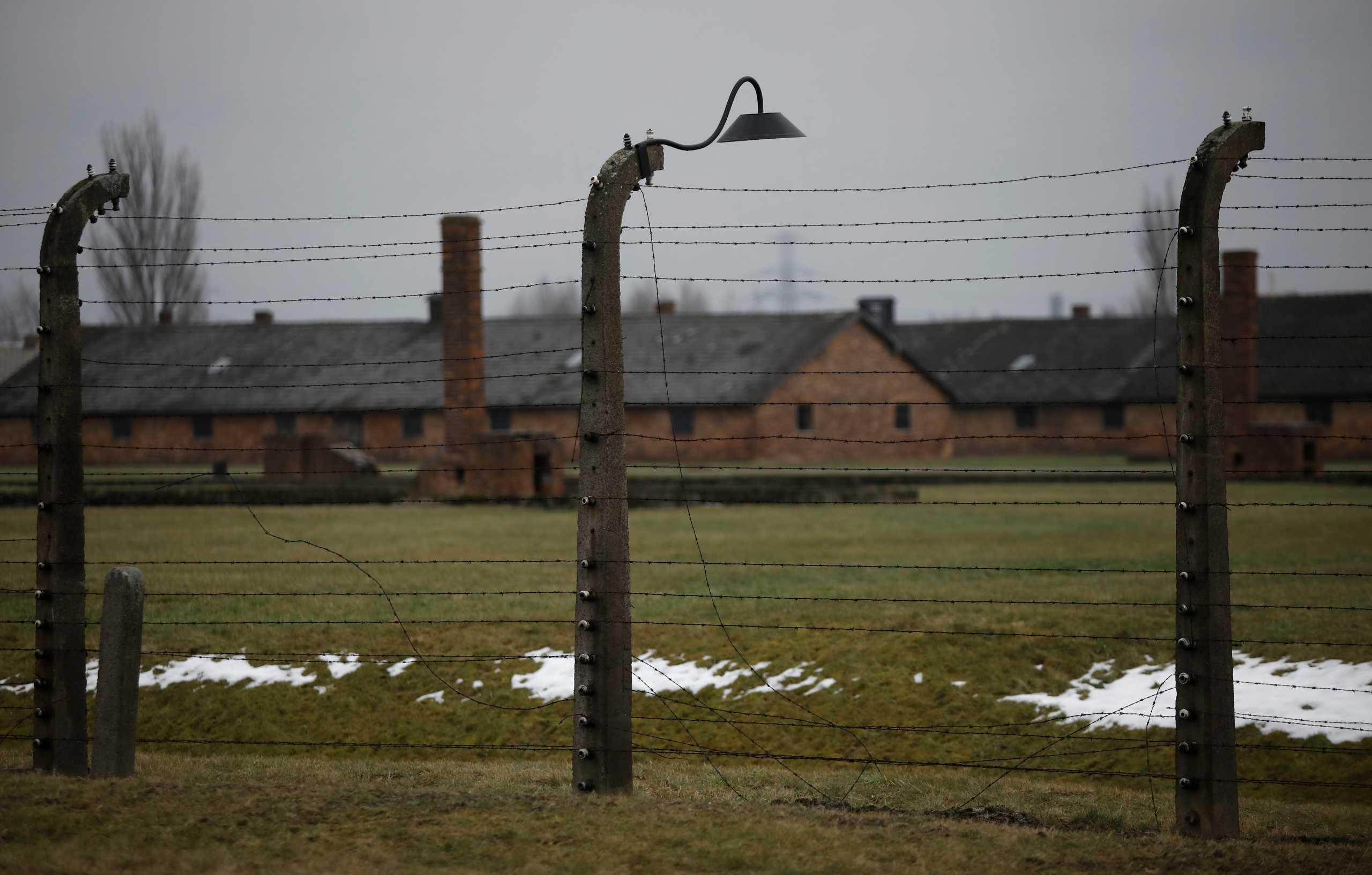 """Άνδρας 100 ετών κατηγορείται για """"συνέργεια"""" σε 3.518 δολοφονίες σε ναζιστικό στρατόπεδο συγκέντρωσης"""
