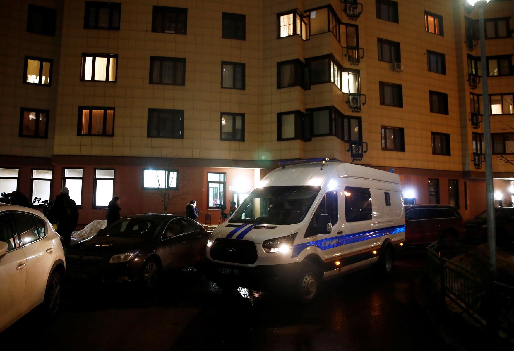 Αδιανόητη τραγωδία: Βρέφος σκοτώθηκε όταν άντρας έπεσε πάνω του από τον 17ο όροφο