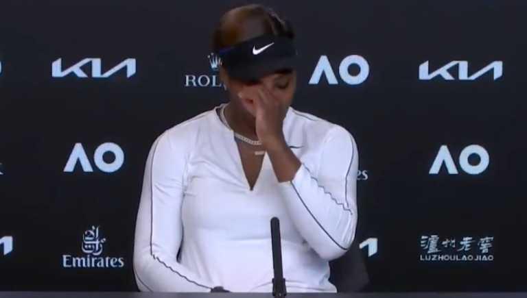 Η Σερένα Γουίλιαμς «λύγισε», αποχώρησε με δάκρυα από τη συνέντευξη (video)