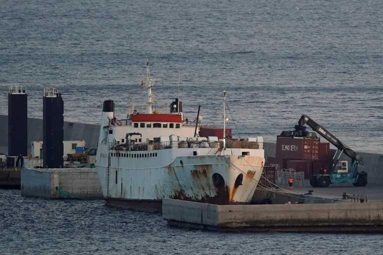 Ισπανία: Κτηνίατροι αποφασίζουν για εκατοντάδες αγελάδες που μένουν για μήνες στοιβαγμένες σε πλοίο