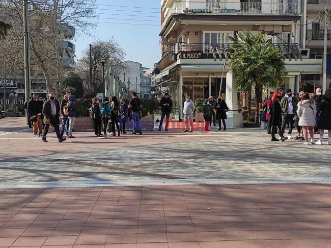 Θεσσαλονίκη: Συγκέντρωση στον Εύοσμο κατά του lockdown – Η φημολογία που προκαλεί οργή