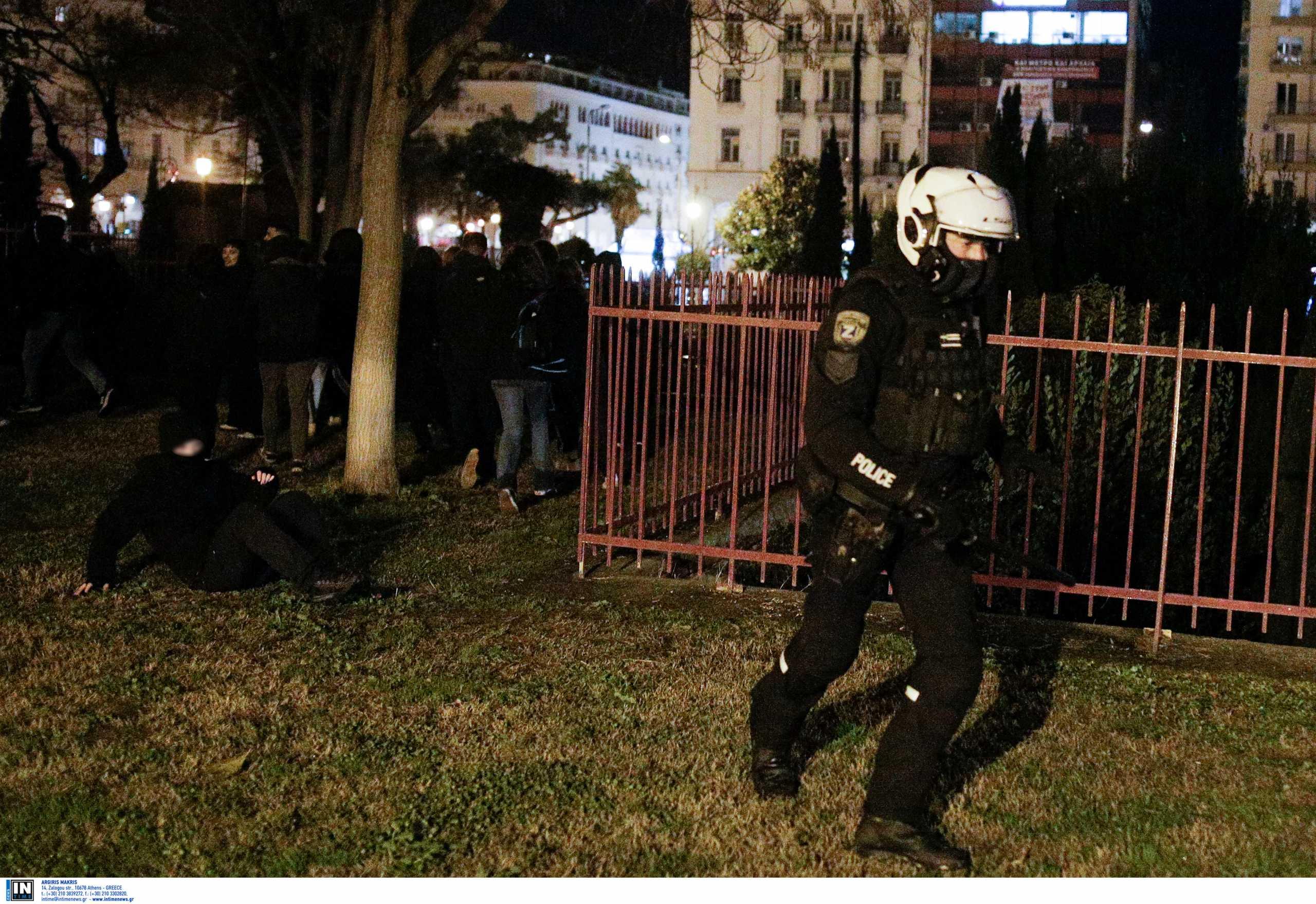 Θεσσαλονίκη: Ελεύθερος ο νεαρός που είχε συλληφθεί για τα χθεσινά επεισόδια