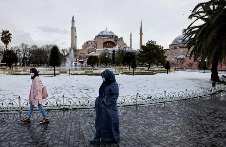 Τουρκία: Συνεχίζεται η κατάρρευση της οικονομίας