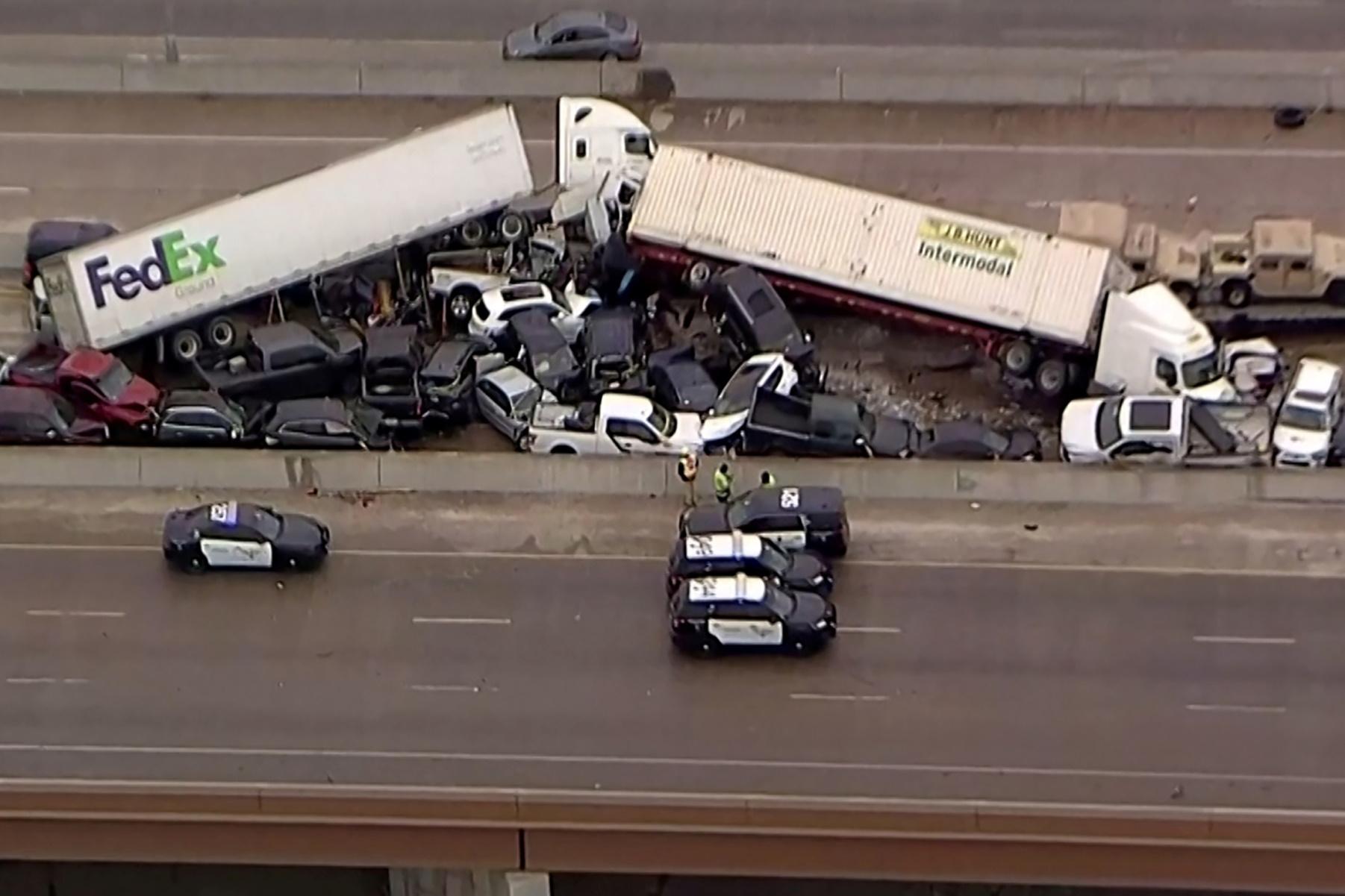 Τέξας: Συγκλονιστικές εικόνες από καραμπόλα 130 οχημάτων – Πολλοί νεκροί και τραυματίες