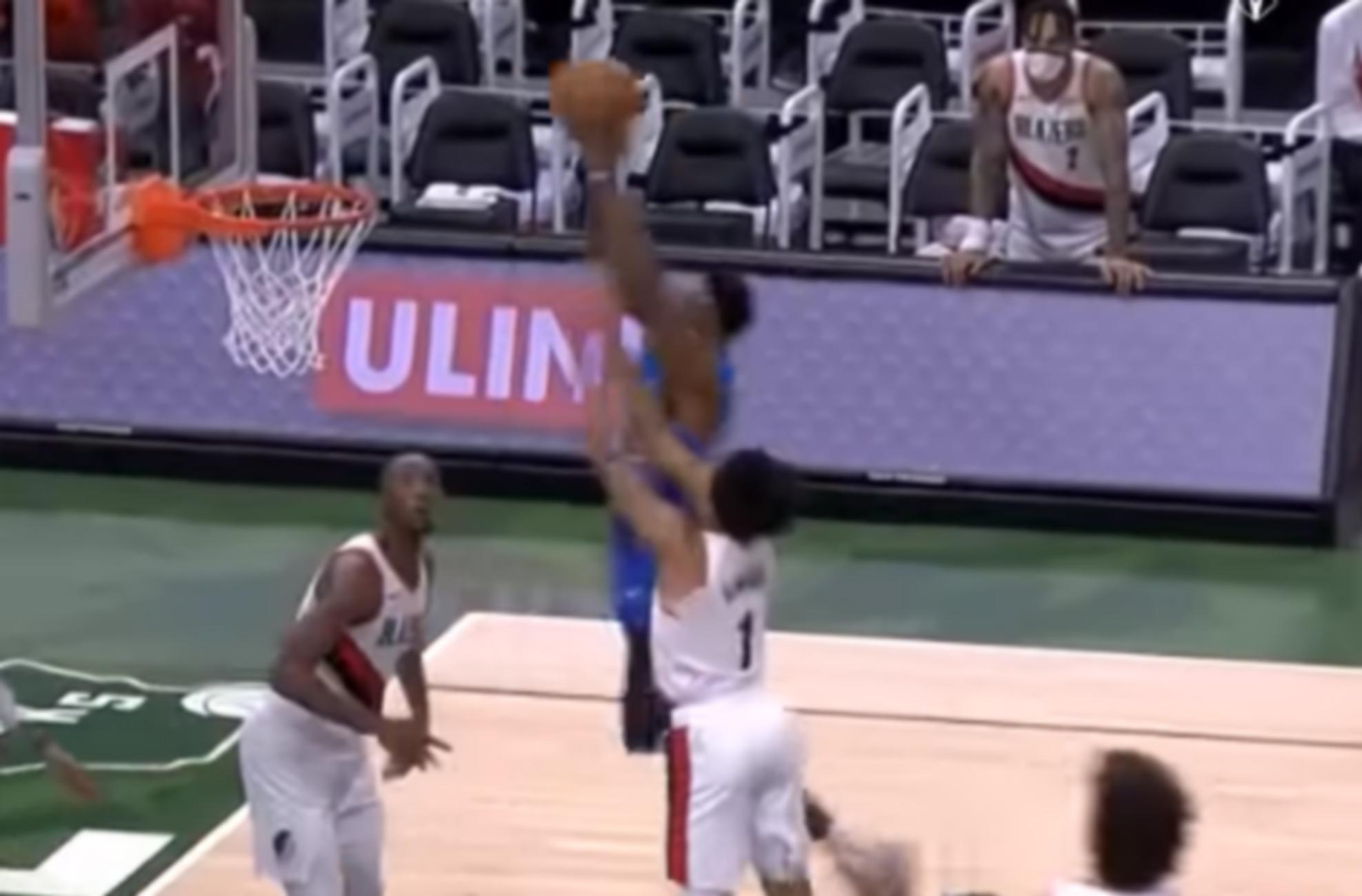 Φοβερό κάρφωμα από Θανάση Αντετοκούνμπο στο NBA (video)