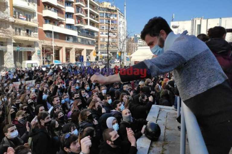 Θεσσαλονίκη: Τριήμερη αναβολή για τους συλληφθέντες στα επεισόδια του ΑΠΘ (pics, video)