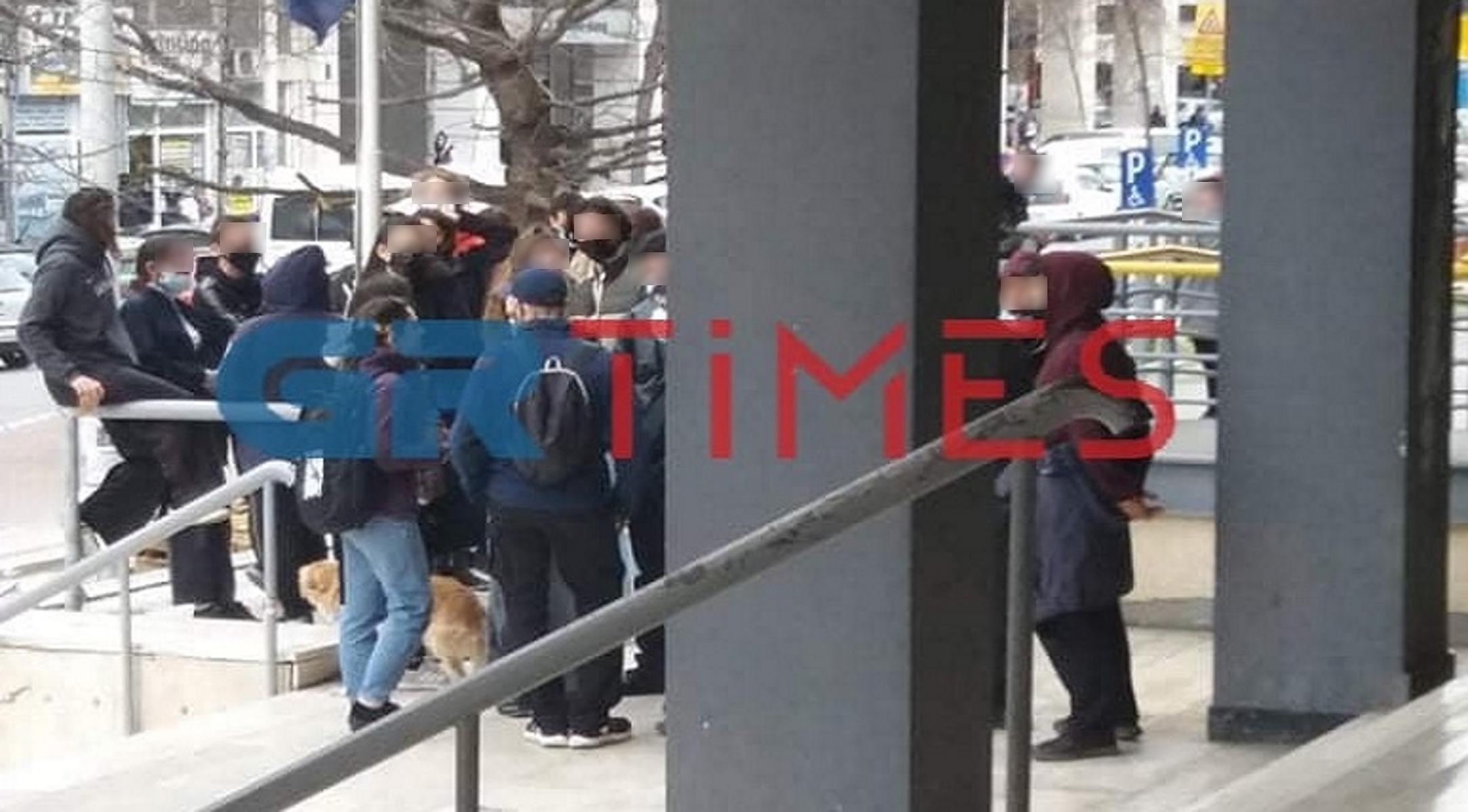 Θεσσαλονίκη: Στο αυτόφωρο 18χρονη για τα επεισόδια στο πανεκπαιδευτικό συλλαλητήριο