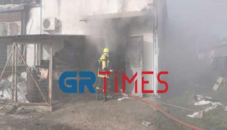 Θεσσαλονίκη: Αυτόφωρο για τον 43χρονο που έκαψε το μαγαζί του αδερφού του – Περιπετειώδης σύλληψη