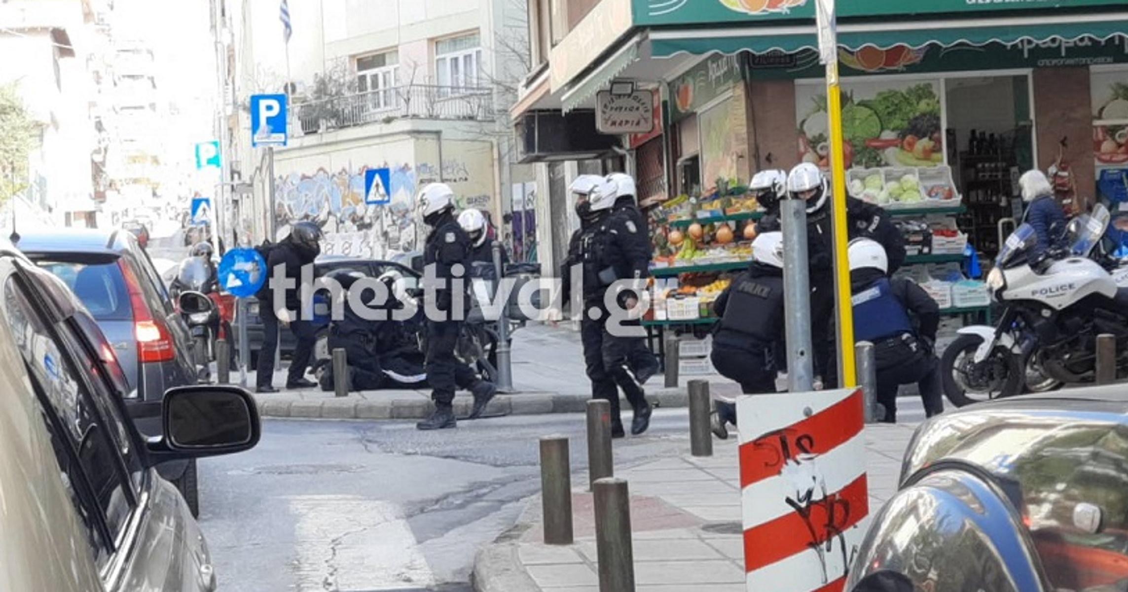 Θεσσαλονίκη: Επεισόδια και προσαγωγές στο περιθώριο του πανεκπαιδευτικού συλλαλητηρίου (pics, video)