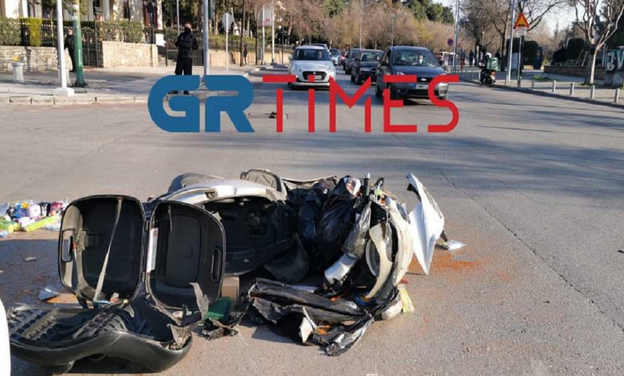 Θεσσαλονίκη: Σοκαριστικό τροχαίο με έναν τραυματία μπροστά σε εκκλησία (pics, video)