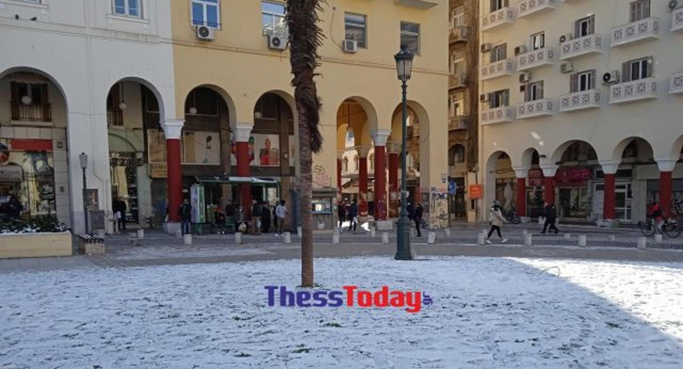 Καιρός – Θεσσαλονίκη: Ερημιά και παγωνιά μετά την επέλαση της Μήδειας (pics)
