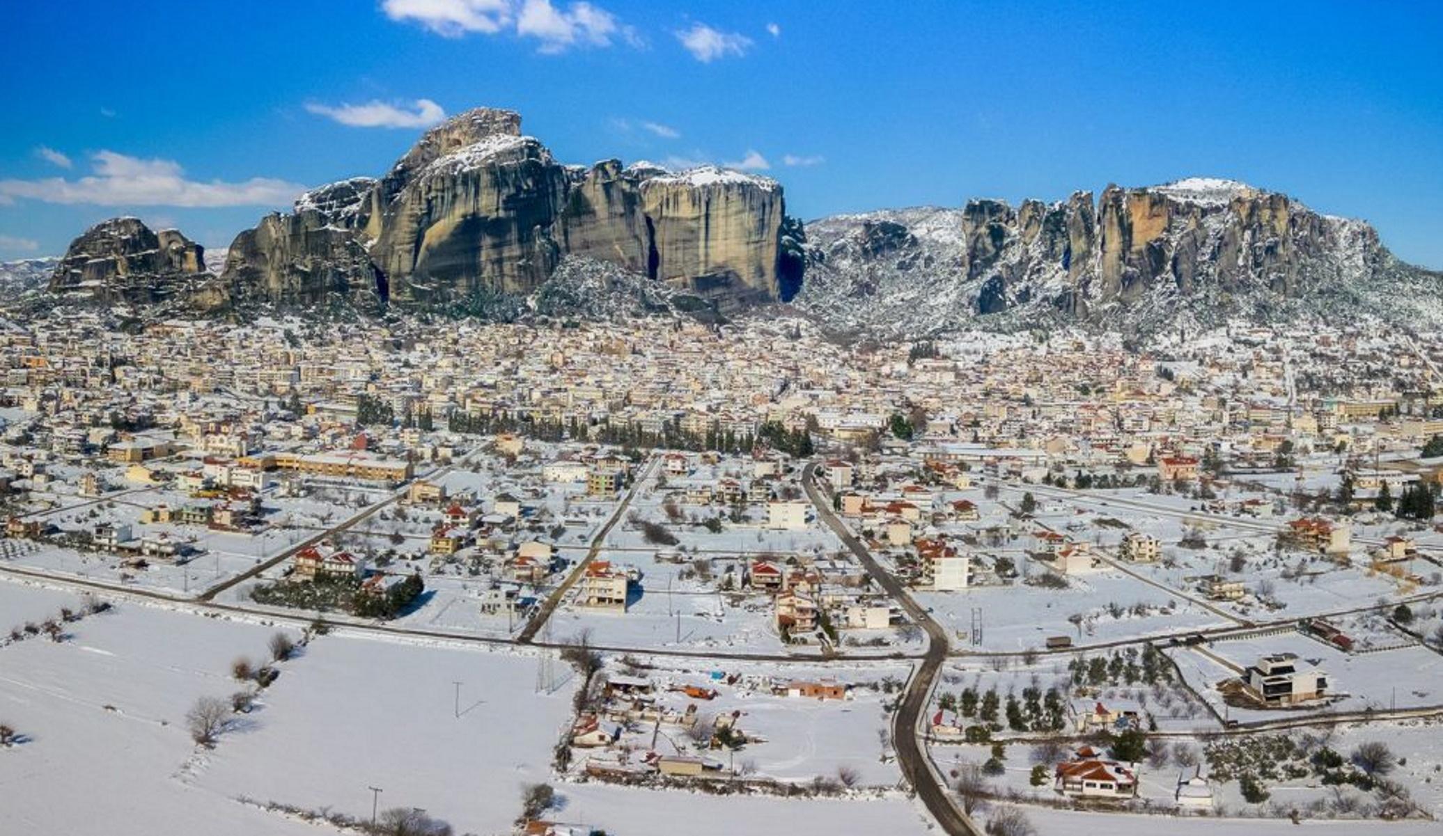 Καιρός – Τρίκαλα: Πλάνα ζωγραφιά από τον χιονισμένο κάμπο μέχρι τα Μετέωρα (pics, video)