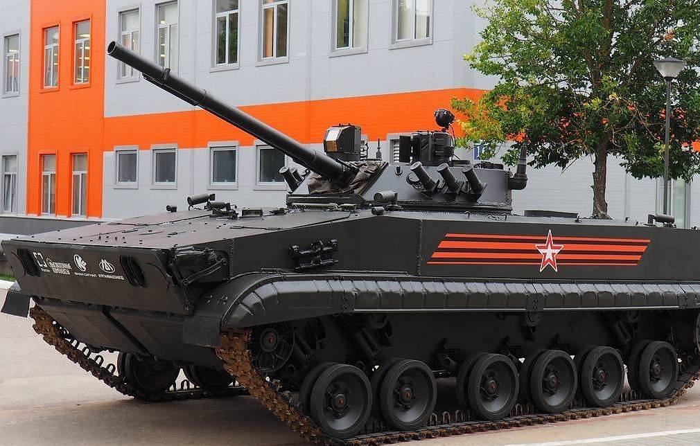 Udar: Αυτό είναι το νέο ρωσικό μη επανδρωμένο άρμα μάχης που θα επιχειρεί αυτόνομα μαζί με drones!