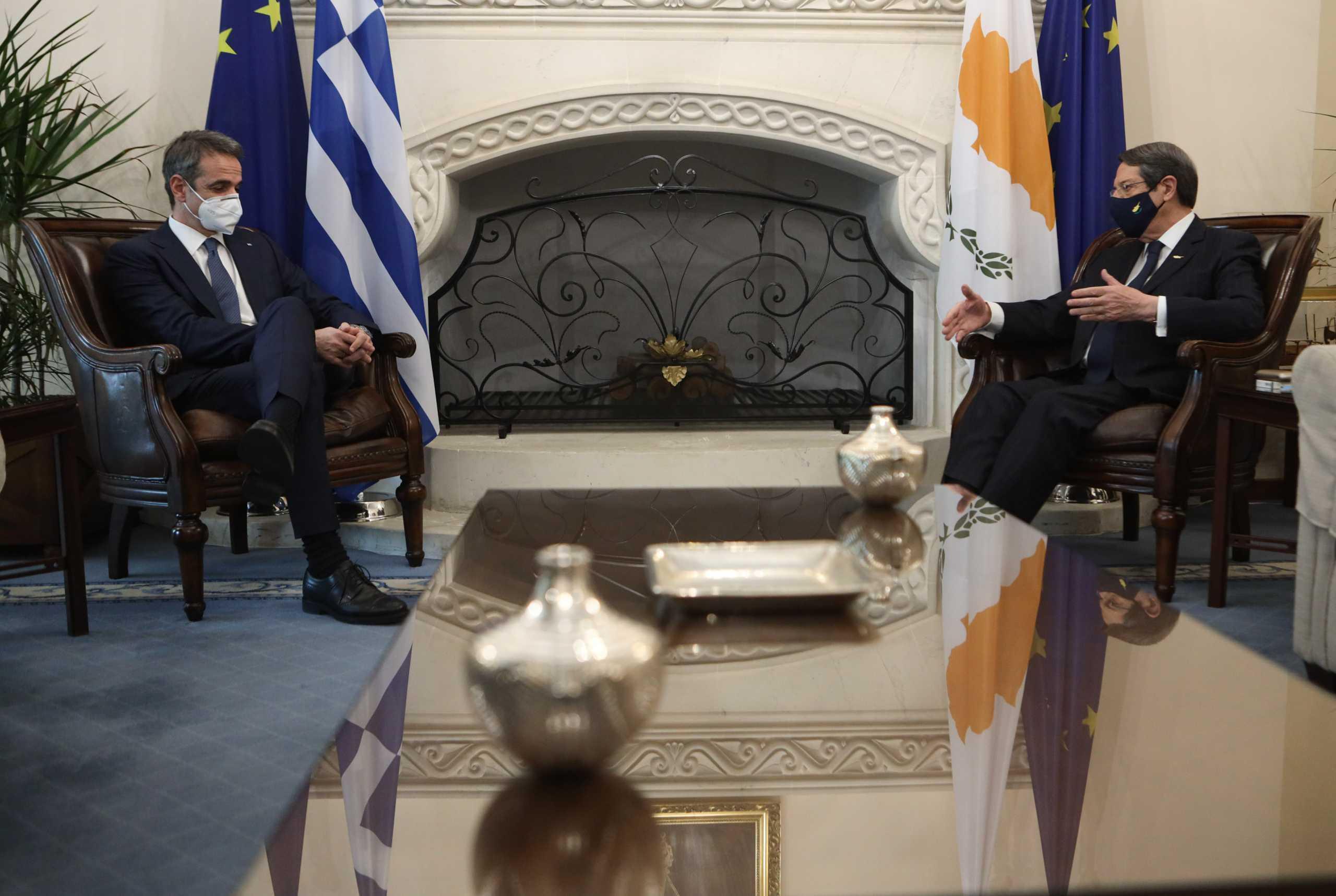 Μητσοτάκης σε Αναστασιάδη: Αυτονόητη ανάγκη Ελλάδα και Κύπρος να είναι απολύτως συντονισμένες