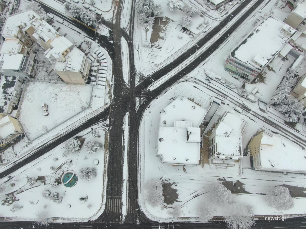 Κακοκαιρία Μήδεια: Συλλεκτικές εικόνες! Χιονισμένες Αλίμου και Βουλιαγμένης από ψηλά