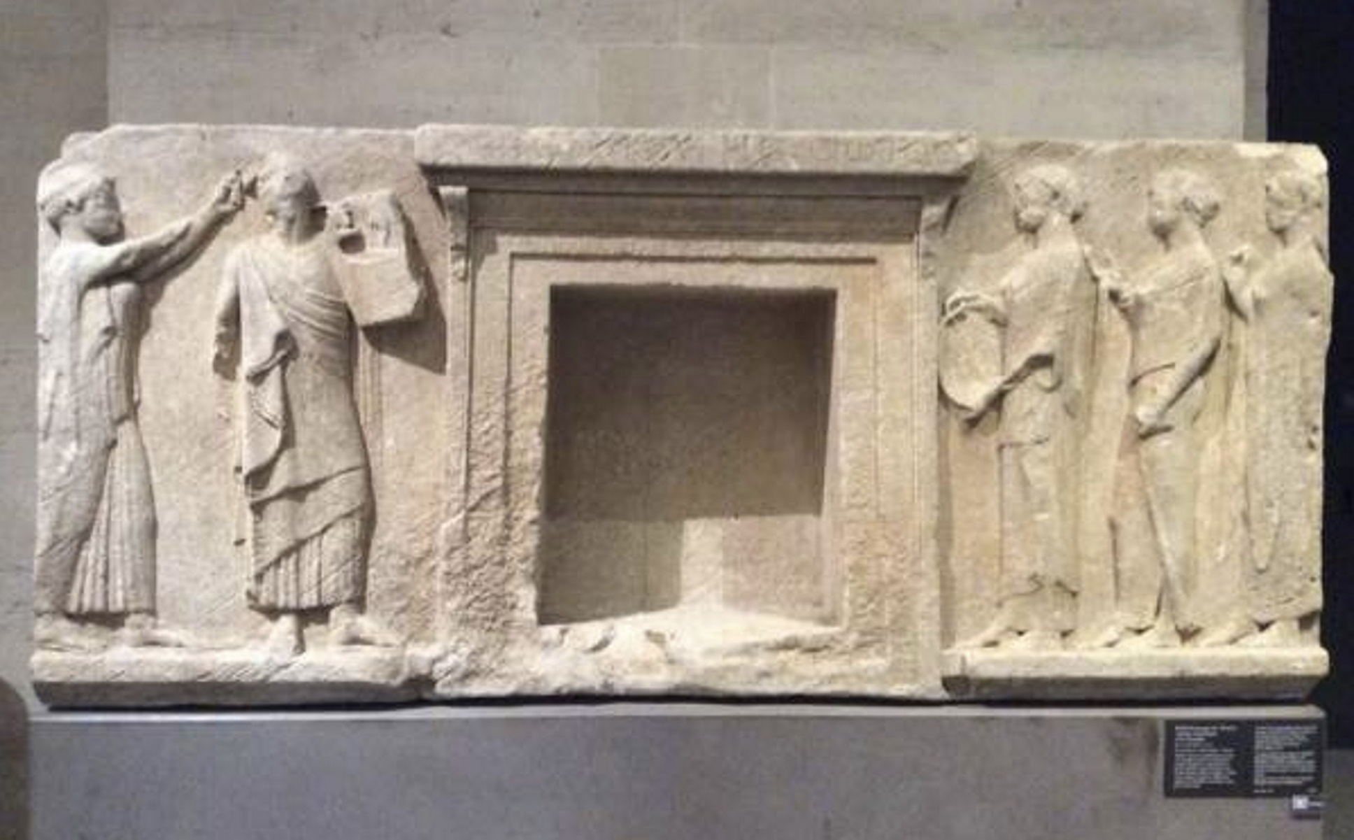 Θάσος: Δύο εκμαγεία σημαντικού μνημείου μεταφέρθηκαν από το Λούβρο – Η Δίοδος των Θεωρών (pics)