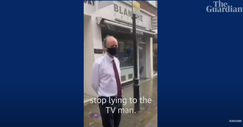 Επίθεση στον Κρις Γουίτι σε δρόμο του Λονδίνου: Λες ψέματα για τον κορονοϊό (video)