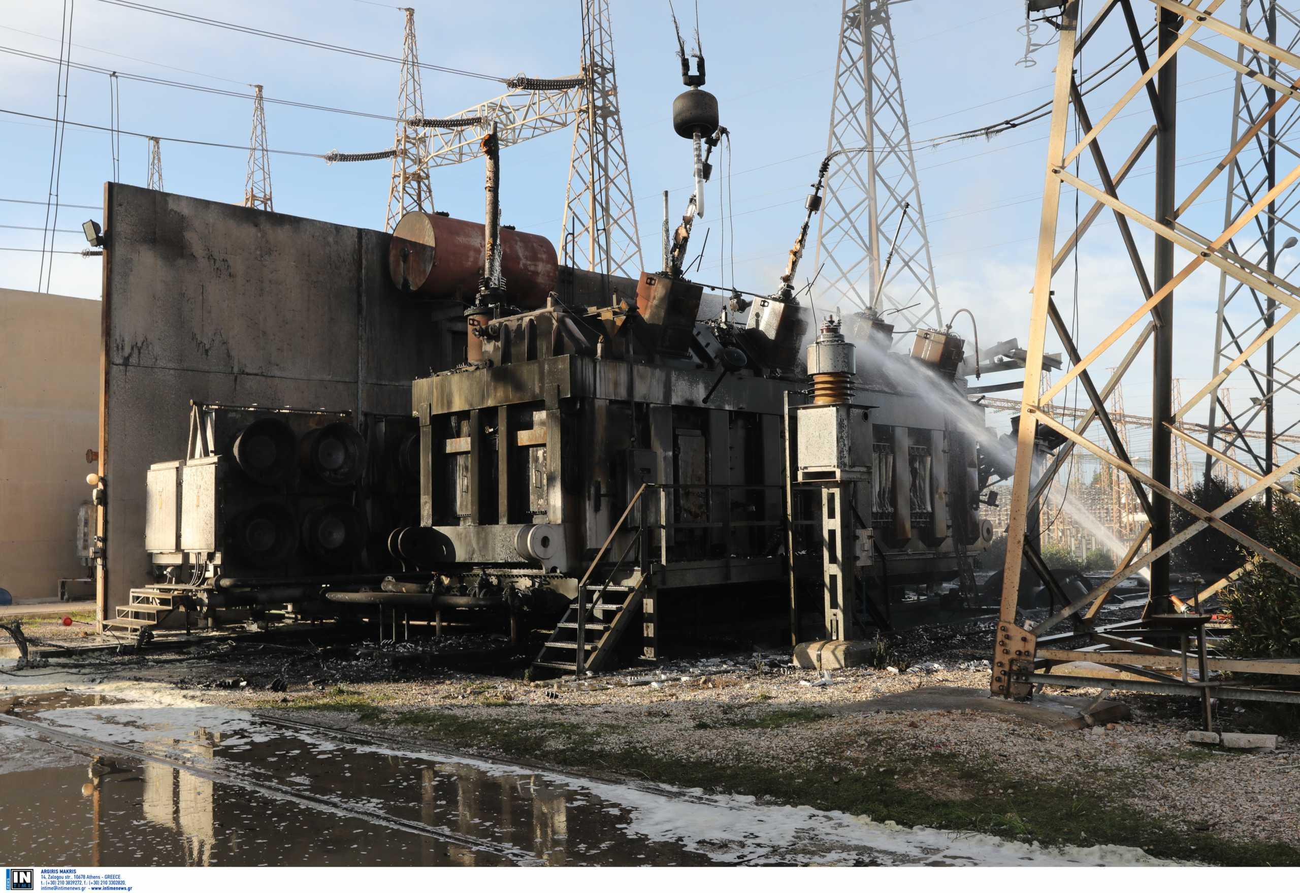 Εικόνα ολικής καταστροφής από την φωτιά στο ΚΥΤ Ασπροπύργου(pics, video)