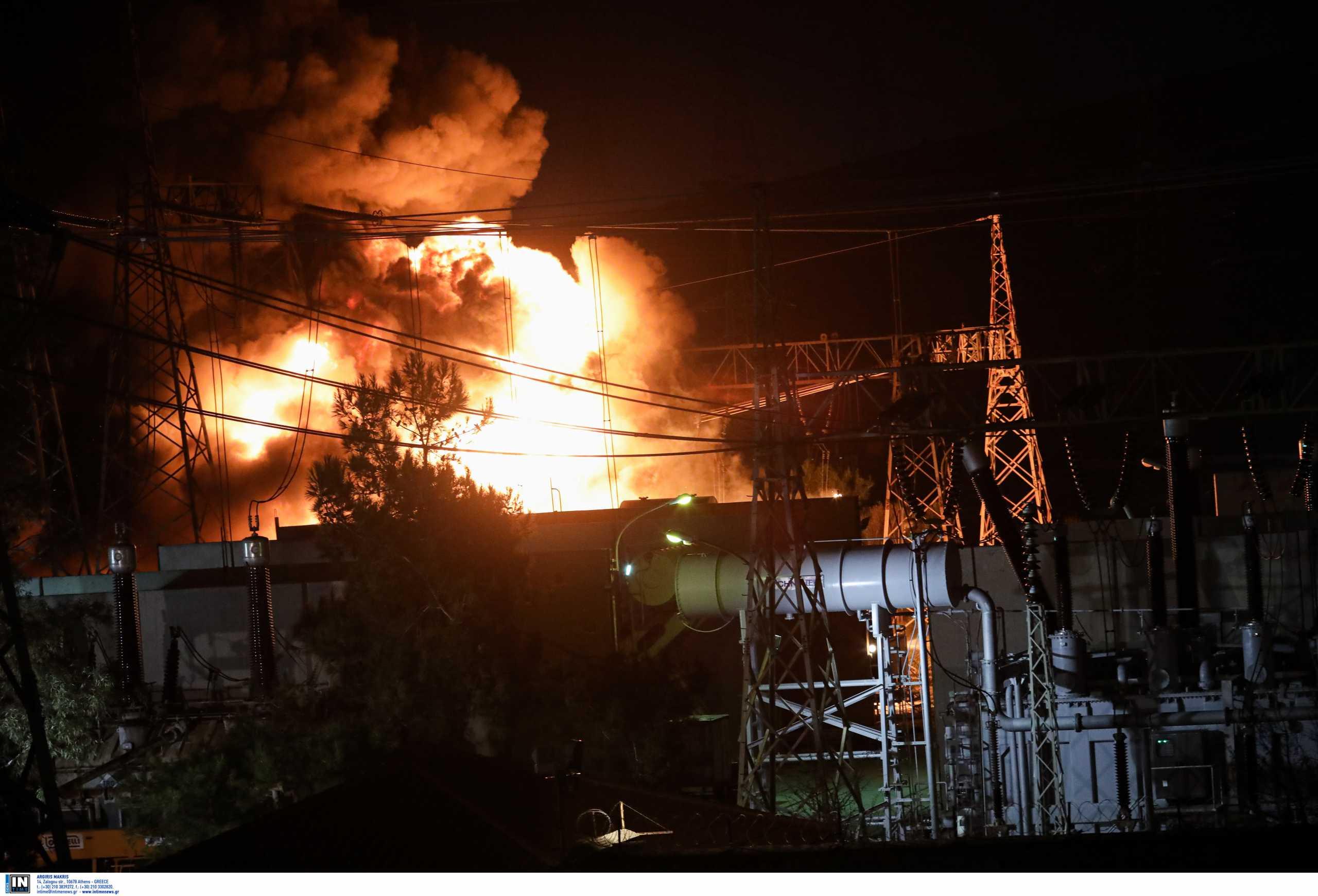 Ασπρόπυργος: Υπό έλεγχο η φωτιά στον υποσταθμό του ΑΔΜΗΕ (pics, video)