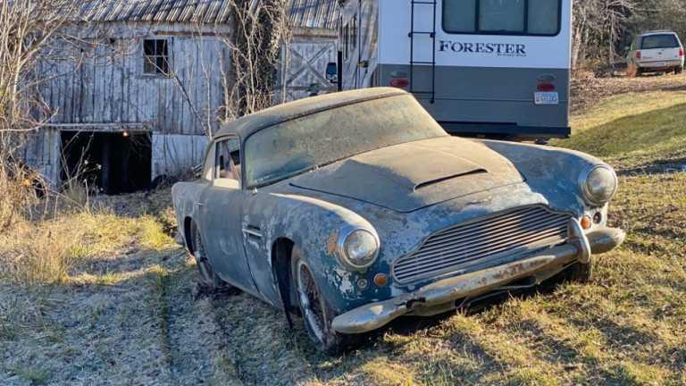Αυτή η Aston Martin του '62, κρύβει πίσω της μια όμορφη αυτοκινητιστική ιστορία! [vid]
