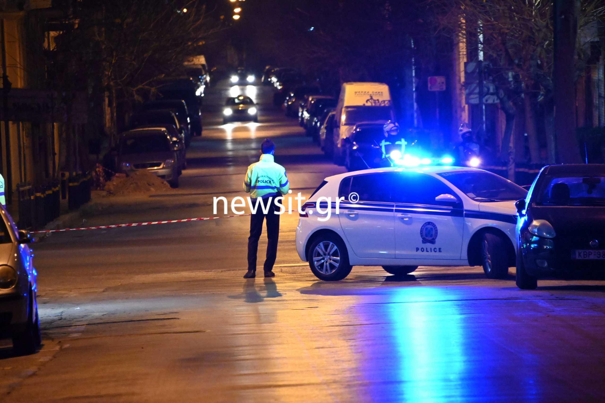 Πυροβολισμοί στην πλατεία Αττικής – Οι δράστες έφυγαν με ταξί και ξέχασαν το όπλο