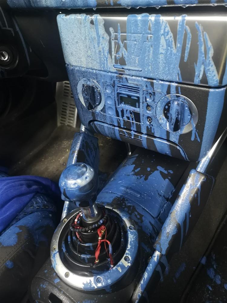 Θεσσαλονίκη: Της έκαναν αγνώριστο το πανάκριβο αυτοκίνητο που αγόρασε – Το ξέσπασμα της κοπέλας (pics)