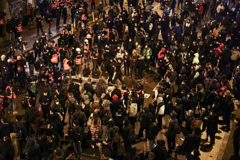 Έβδομη νύχτα επεισοδίων στη Βαρκελώνη για τον φυλακισμένο ράπερ Χασέλ
