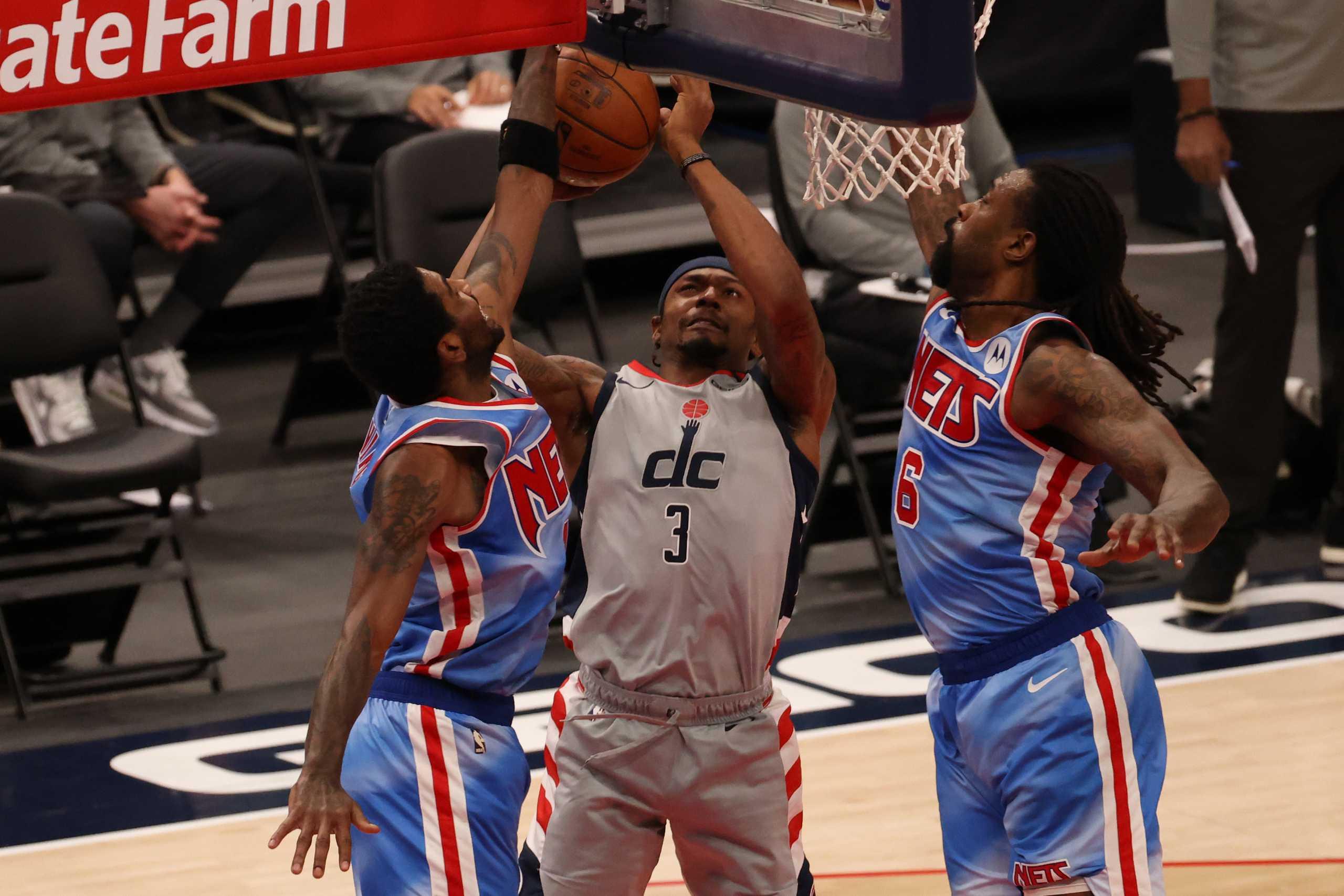 Σούπερ σταρ του NBA σκέφτεται την ανταλλαγή