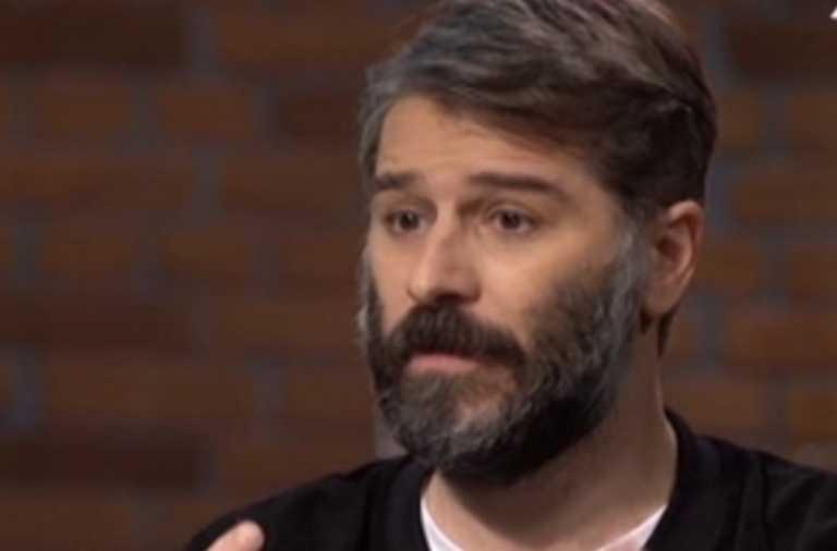 """Αλέξανδρος Μπουρδούμης: """"Ο σκηνοθέτης μου έκανε κρούση στα 19 μου…Φοβήθηκα κι εξαφανίστηκα"""""""