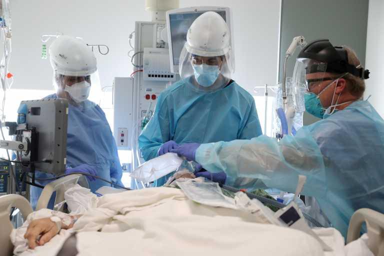 Ασταμάτητος ο κορονοϊός στην Καλιφόρνια, ξεπέρασαν τις 50.000 οι νεκροί – «Χαίρεται» για τους εμβολιασμούς ο Μπάιντεν