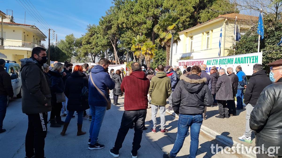 Θεσσαλονίκη: Όχι στα αποτεφρωτήρια από κατοίκους του δήμου Δέλτα – «Θα μας βρουν μπροστά τους» (video)