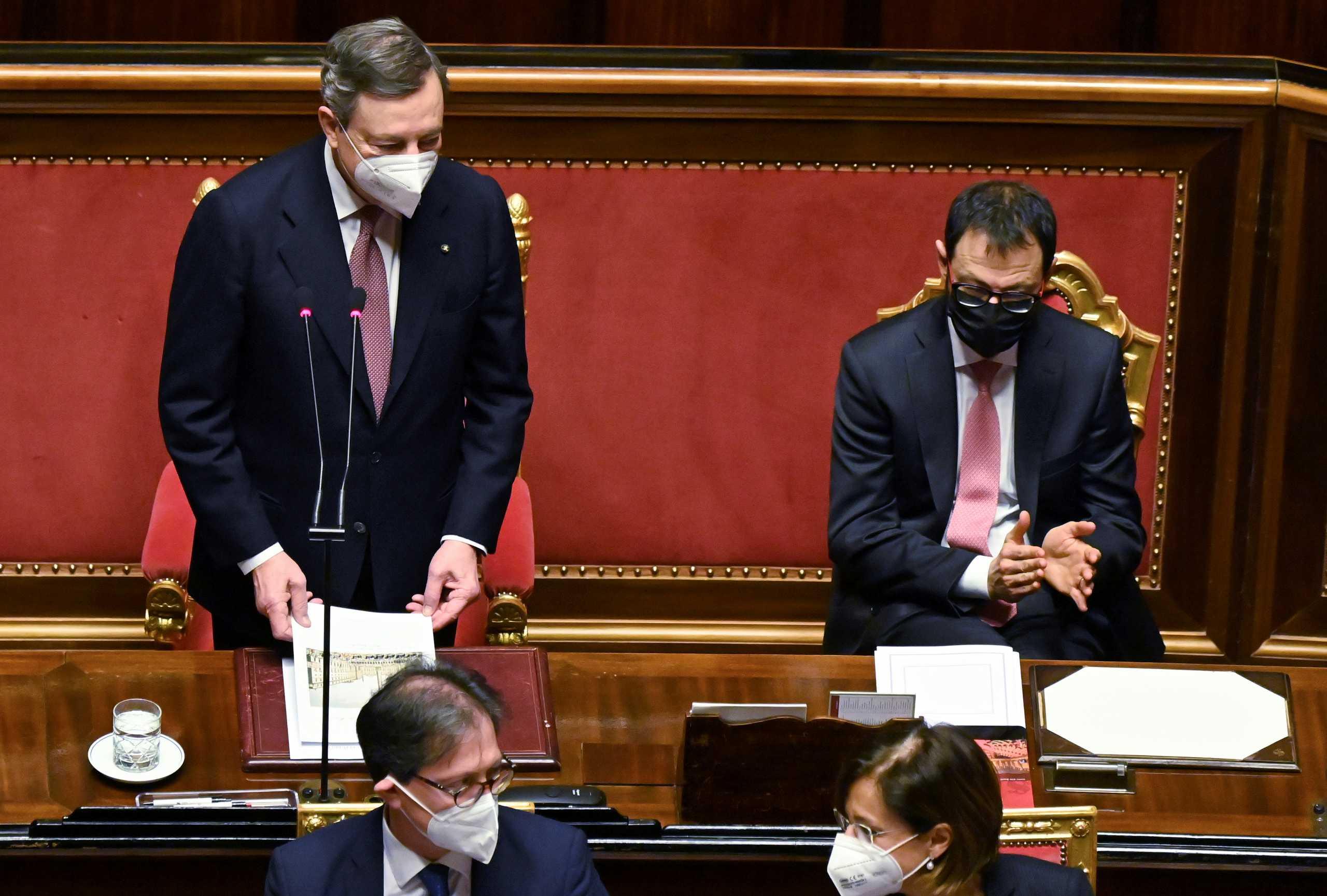 Ιταλία: Ψήφος εμπιστοσύνης από τη Γερουσία στον Ντράγκι και το πρόγραμμα «ανοικοδόμησης»