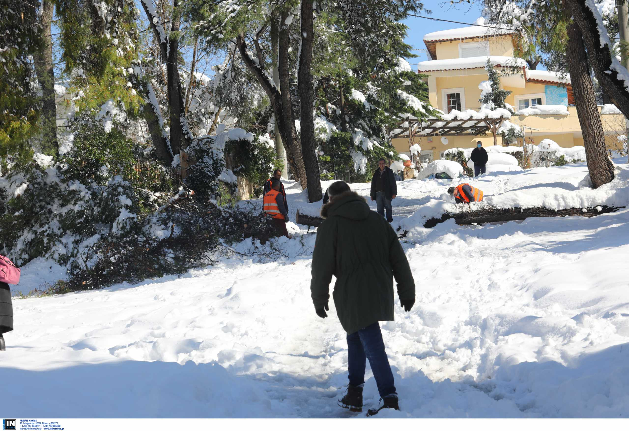 ΔΕΔΔΗΕ: Περίπου 38.000 νοικοκυριά και επιχειρήσεις έχουν ρεύμα ξανά