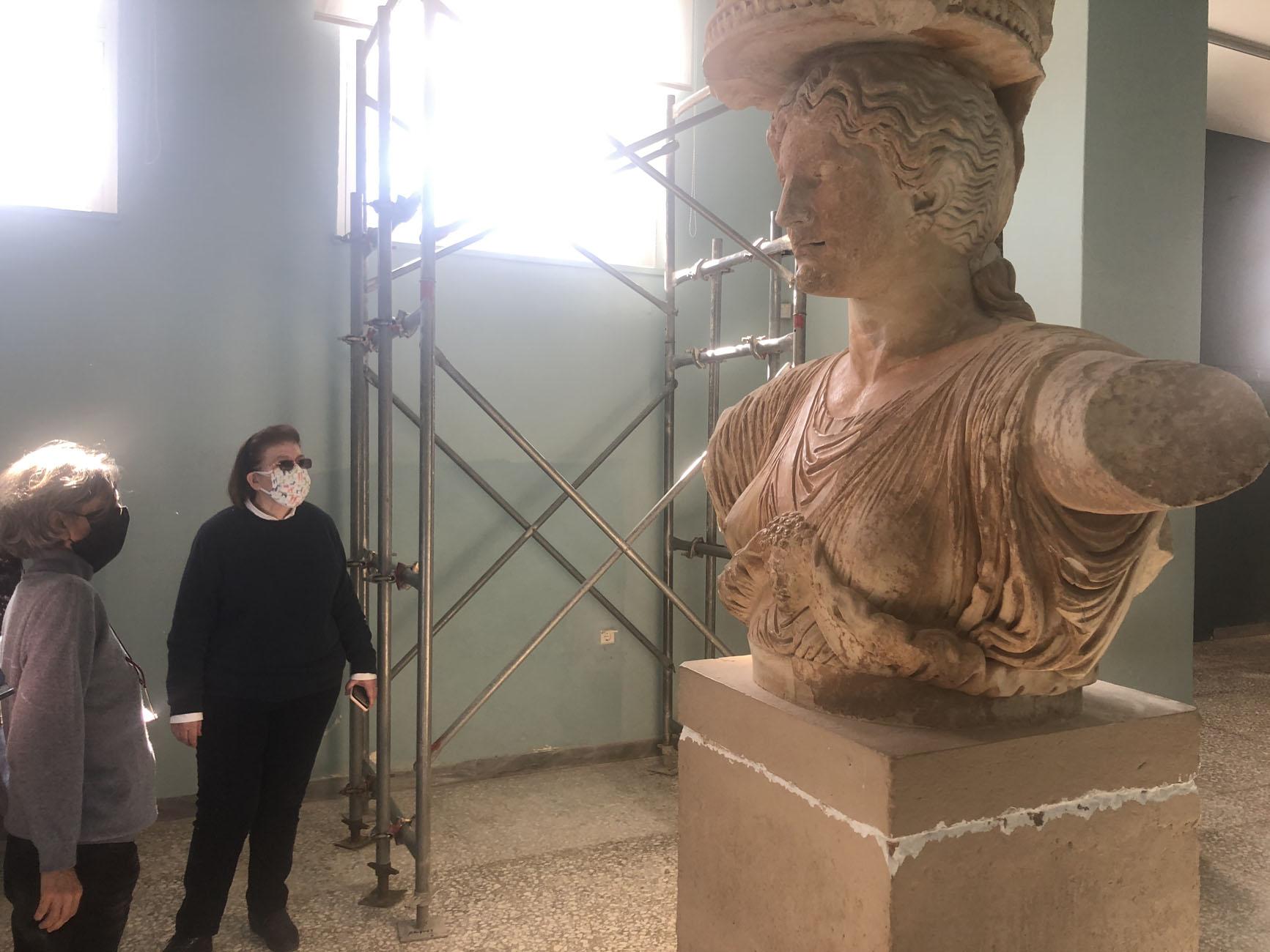 Ελευσίνα: Αυτοψία Μενδώνη στον αρχαιολογικό χώρο (pics)