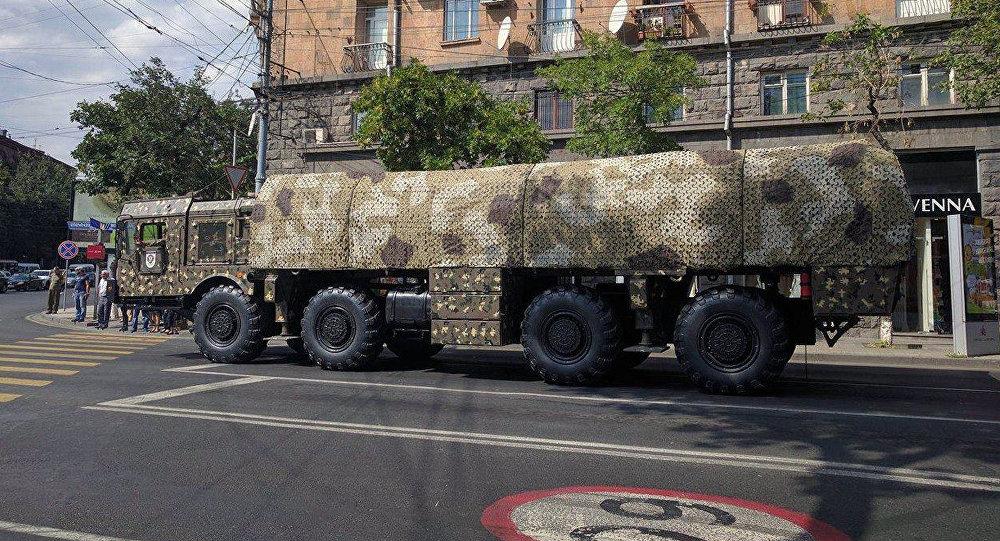 "Iskander: Η «προσβολή» του Πασινιάν, η ""ρωσική απάντηση"" στους βαλλιστικούς πυραύλους και η απόπειρα πραξικοπήματος στην Αρμενία"