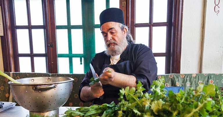 Το πιάτο που ο πατέρας Επιφάνιος αγαπούσε να μαγειρεύει αυτή την εποχή!