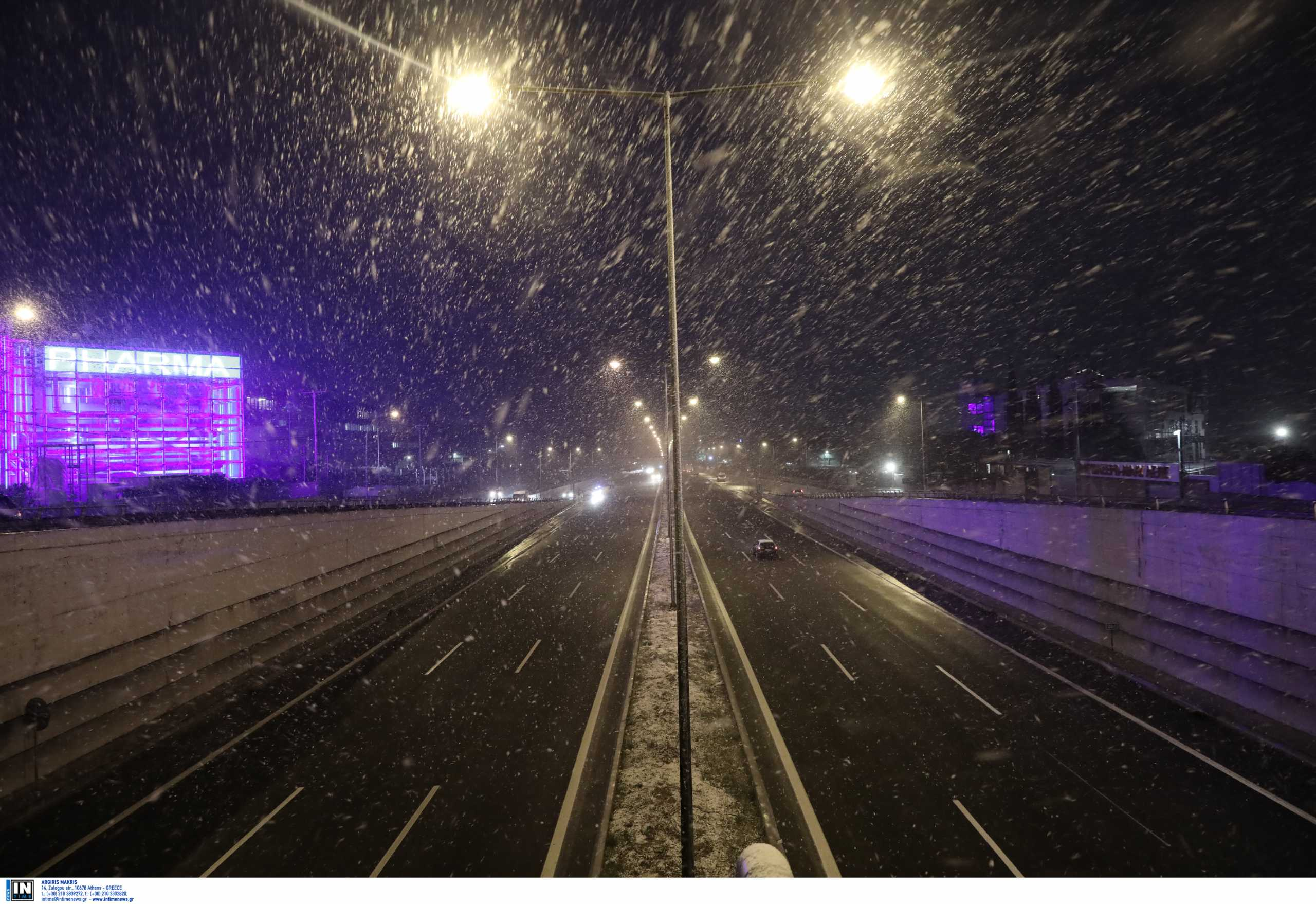 Ανατροπή νταλίκας στην εθνική οδό Αθηνών – Λαμίας
