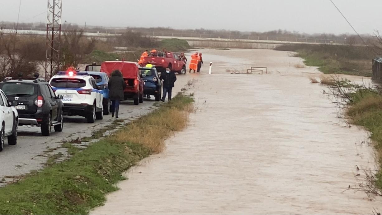 Έβρος: Νεκρός 46χρονος πυροσβέστης, πατέρας τριών παιδιών - Σε δύο ώρες βούλιαξαν Αλεξανδρούπολη και Σουφλί