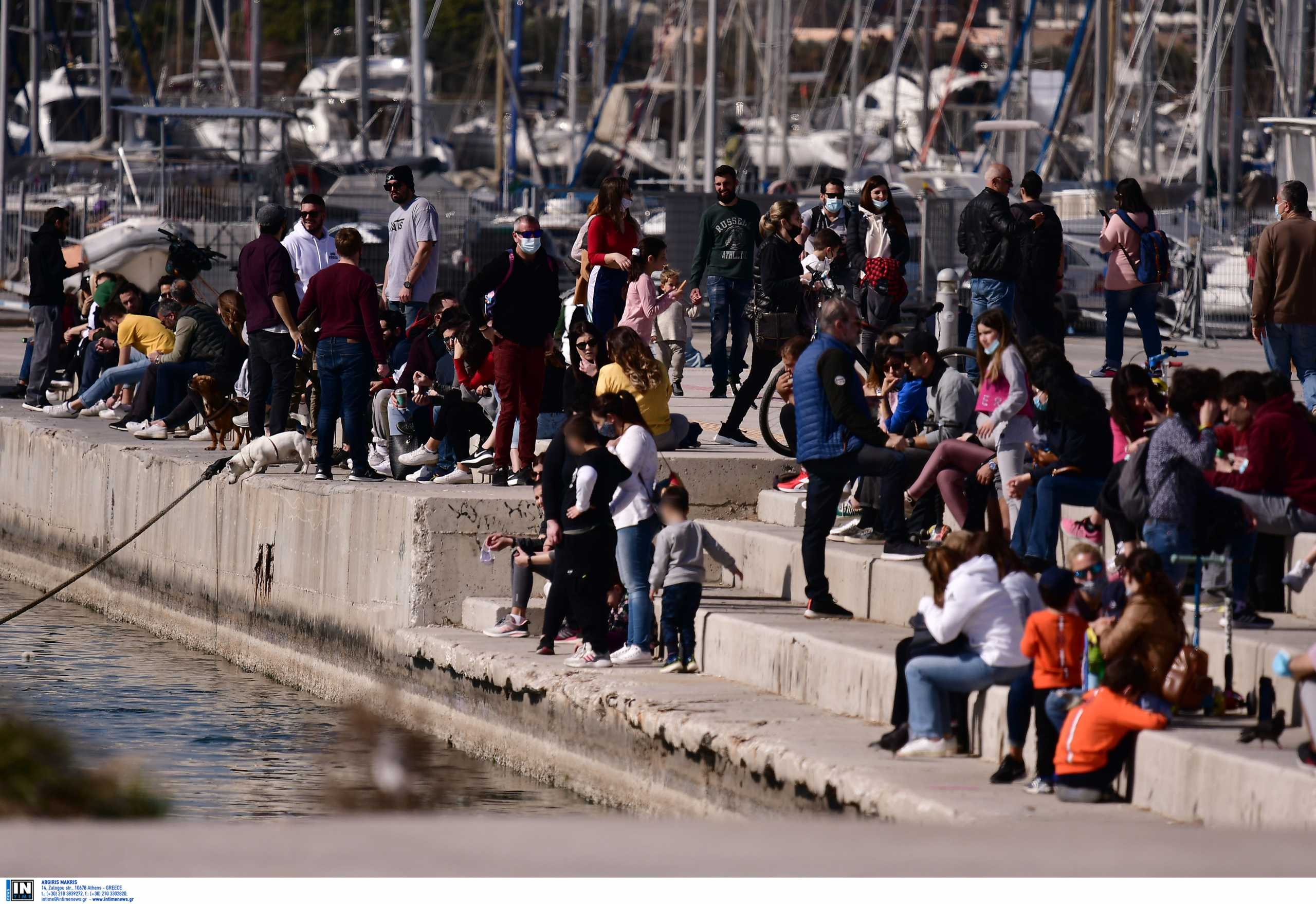 Lockdown: Και βουνό και θάλασσα – Βόλτα και αστυνομικά μπλόκα σε Φάληρο και Πάρνηθα (pics)