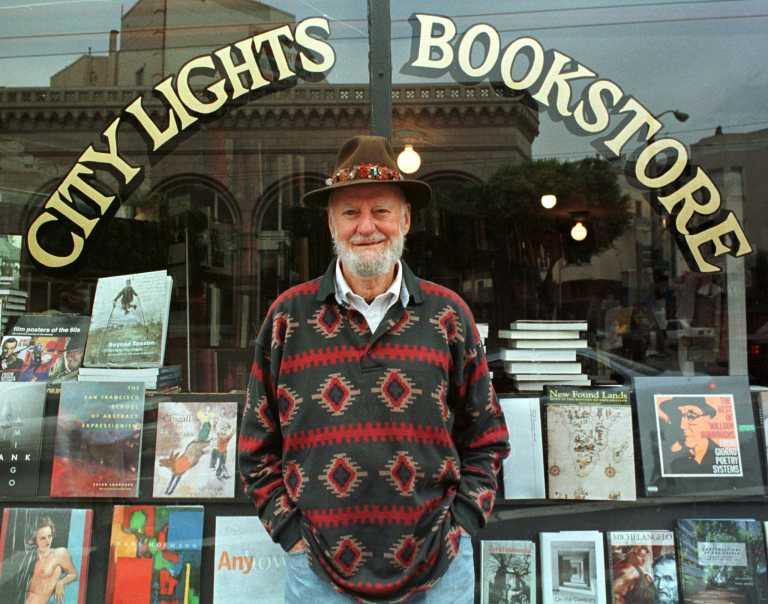 Λόρενς Φερλινγκέτι: «Έφυγε» στα 101 ο ποιητής και εκδότης της «Γενιάς Μπιτ»