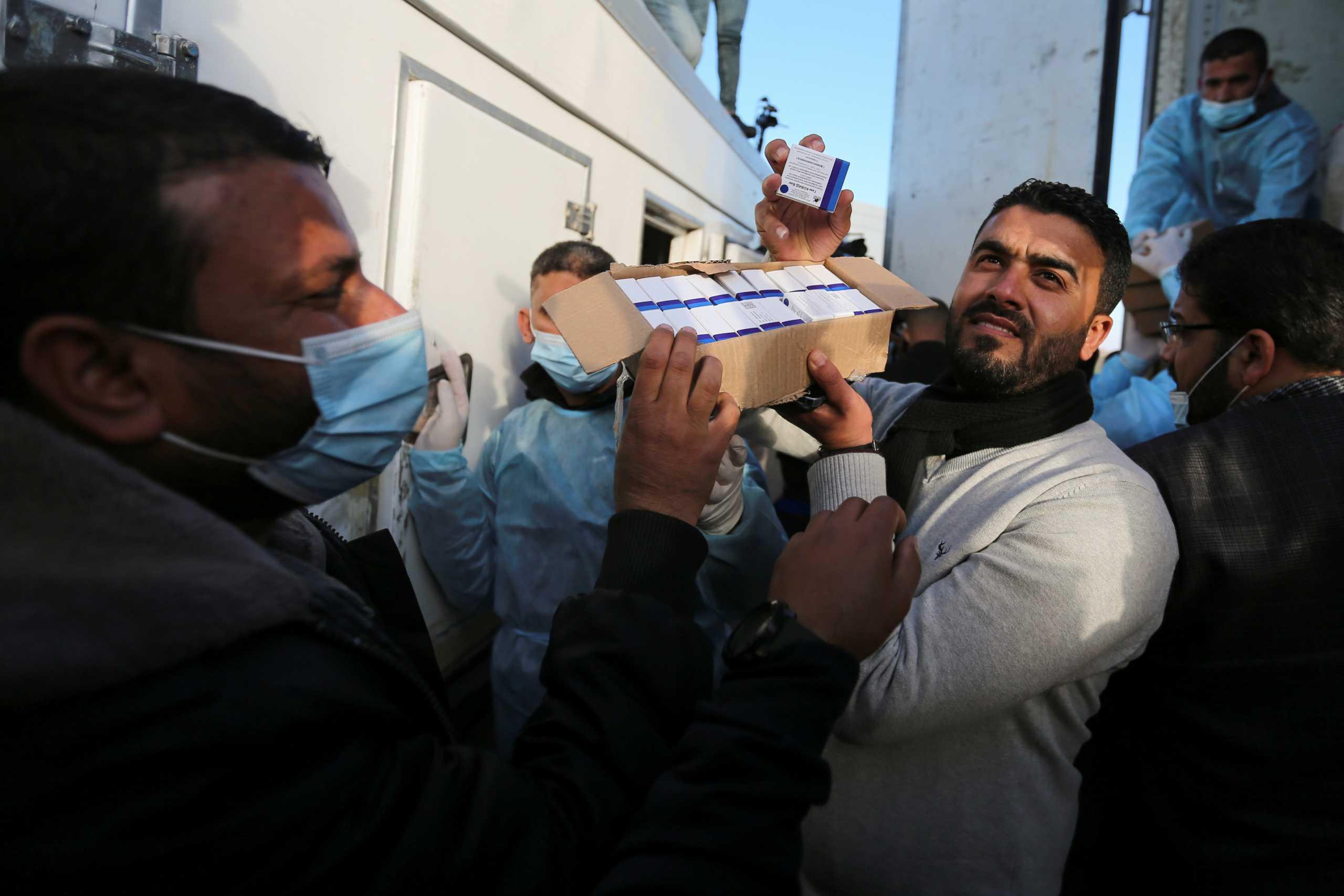 Παλαιστίνη – Κορονοϊός: Παρέλαβε χιλιάδες δόσεις εμβολίων  από τα Ηνωμένα Αραβικά Εμιράτα