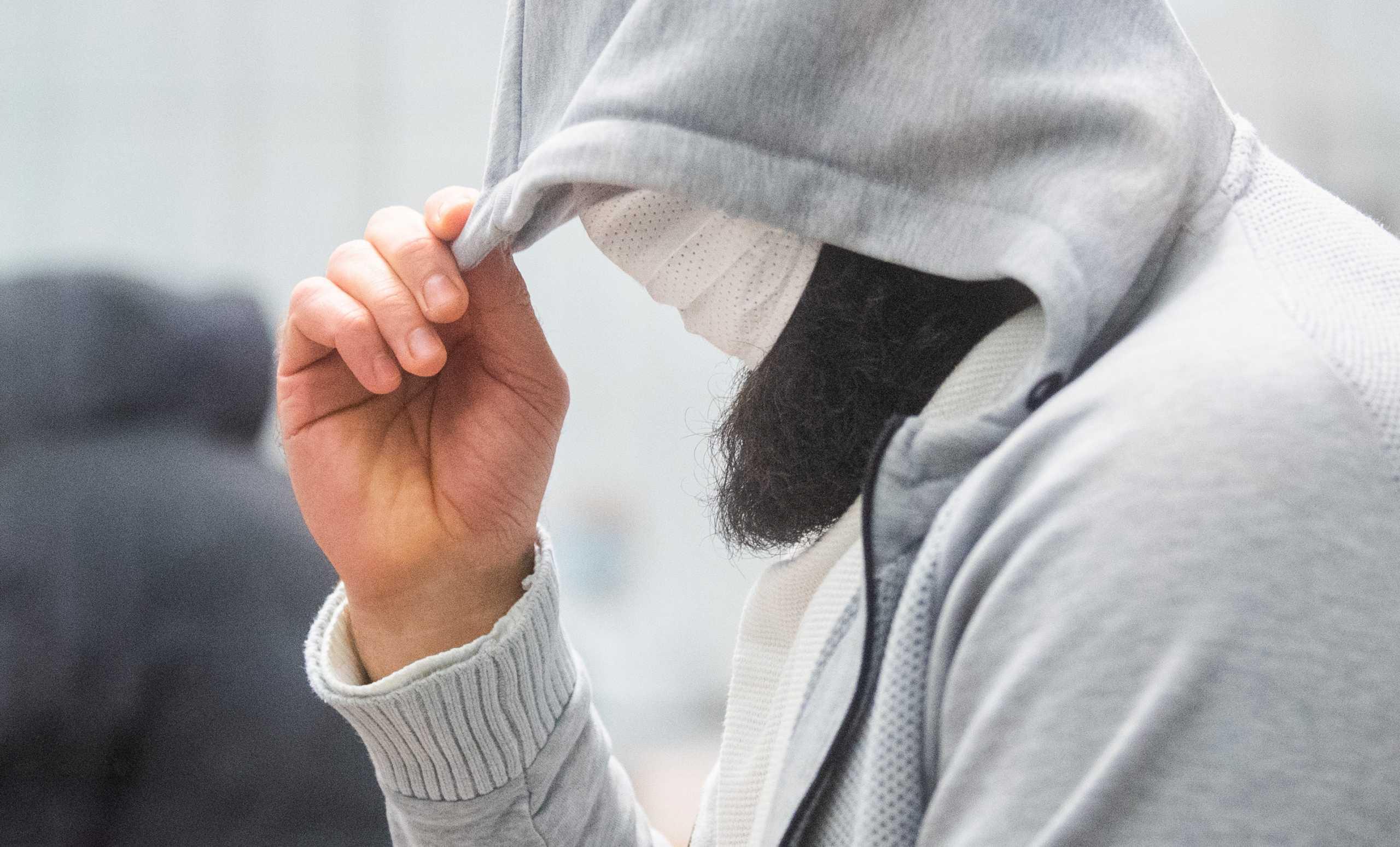 Γερμανία: 10 χρόνια φυλακή για τον επικεφαλής του ISIS στη χώρα (pics)