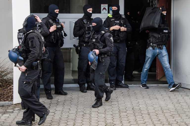 Γερμανία: 850 αστυνομικοί έκαναν «φύλλο και φτερό» Βερολίνο και Βραδεμβούργο για οργάνωση τζιχαντιστών (vid)